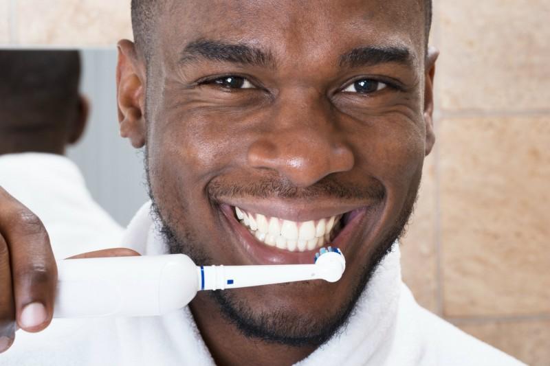 belles-dents-homme-800x